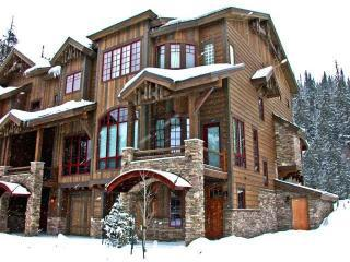 Base Camp #490 4-Bedroom, 5 Bath Luxury Ski-in/Out, Winter Park