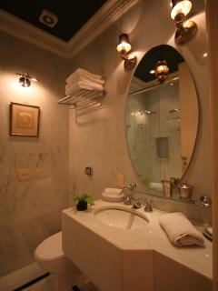 Green Suite Bathroom