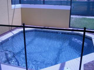 PRIVATE POOL IN TOWNHOUSE