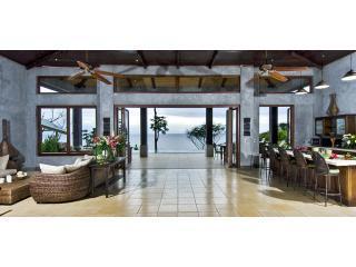 6 bedroom Ocean front Villa in Dominical, CR