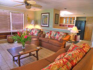 Ala Muku ~ Lovely Poipu Vacation Home, Sleeps 10, BBQ on deck, walk to beach