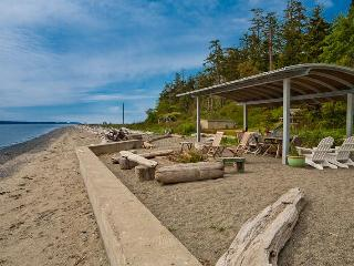 Whidbey Island Beachfront -Luxury on a Sandy Beach