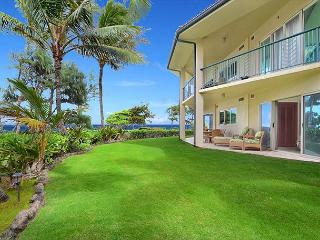 King Waipouli!** BEACH FRONT Large Yard, large floor plan CALL NOW, Kapaa