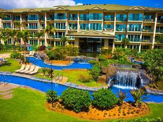 G105 - STEPS TO POOL/ 3 BEDS/ **AC** / Resort Pool & Restaurant