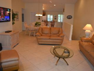 Spacious Living Room Area W/Vaulted Ceilings and New 54' Flat Screen TV!
