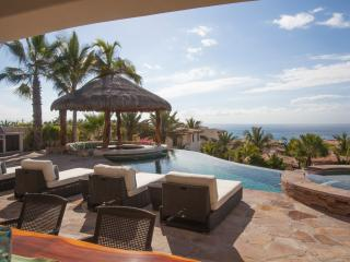 4BD Beautiful Villa, steps to the the beach!, San Jose Del Cabo