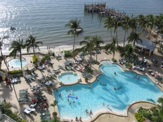 Sanibel Harbour Marriott Waterfront Luxury Condo with Spa Membership and WiFi!, Fort Myers