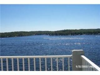 Fabulous location, beautiful views, Condo could not be closer to lake !