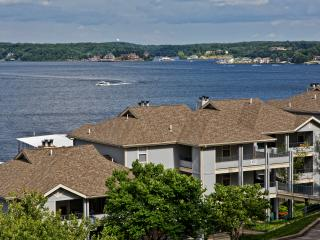 Beautiful Regatta Bay Lakefront - Upscale - 3BB, Lake Ozark