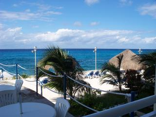 Direct Beach Access  *Walk to town*  Oceanfront, Cozumel