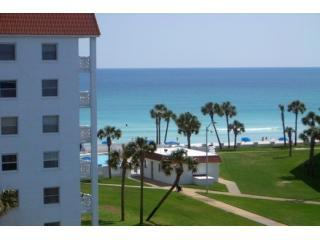 Tranquil and Pristine at El Matador Resort, holiday rental in Fort Walton Beach