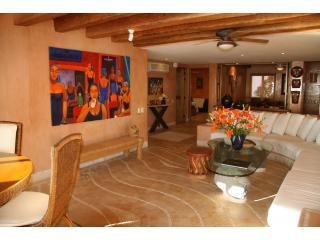Imagine Yourself  in this Luxurious La Casa Que Ve al Mar Condo  Dec & Jan