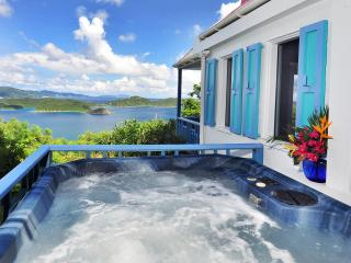 Sago Cottage: Romantic, private, spa. fantastic view, Coral Bay