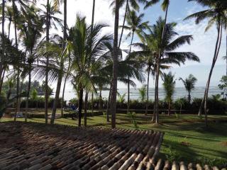 Deep Blue Sri Lanka Rentals: Colonial Villa Seafront, Matara