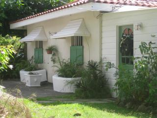 Carolita 1 Bed with Pool Nr Holetown