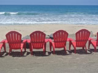 Budget Friendly Fun Beach Vacation Rental on Beach, Oceanside