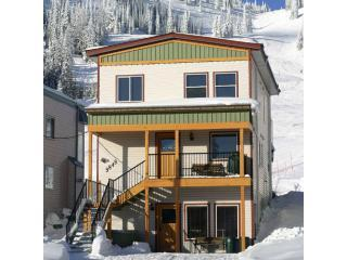 Ski-in/Ski-out - 6bdr/6bath - Silver Star Resort