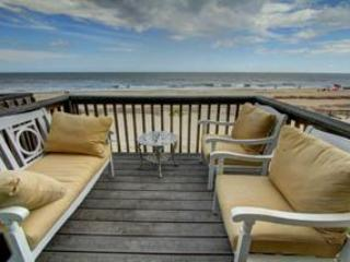 Oceanfront, Right on the beach, 7ppl, Pets Welcome,park 2 cars,My Ocean Villa