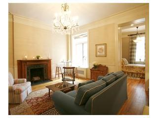 Cozy Brownstone W. 74th St.1BR near Central Park!