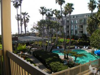 1 Bedroom Beach Condo Rentals (Oceanside, CA)