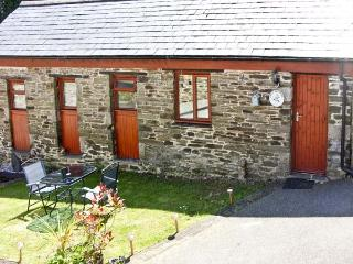 COSY COTTAGE, romantic, country holiday cottage, with a garden in Dobwalls, Ref 1734