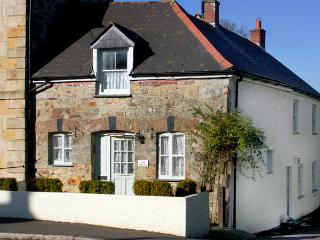 THE WEDGE , family friendly, country holiday cottage, with a garden in Mitchell, Ref 1670