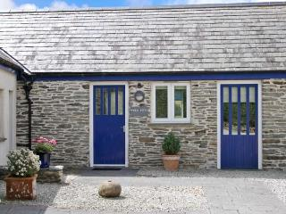 WHEAL KITTY, character holiday cottage, with a garden in St Newlyn East, Ref