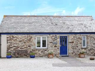 WHEAL ROSE, character holiday cottage, with a garden in St Newlyn East, Ref 2141