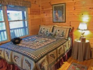 Éveiller chaque matin à une vue magnifique sur la montagne dans la chambre de taille de Reine