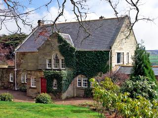 BEECH HILL MANOR, pet friendly, character holiday cottage, with a garden in