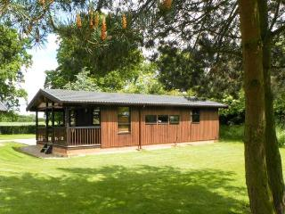 BEECH LODGE, pet friendly, country holiday cottage, with a garden in Masham, Ref 987