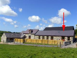 BWYTHYN-Y-SAER, country holiday cottage, with a garden in Abersoch, Ref 2914