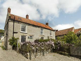 CROFT HEAD COTTAGE, romantic, character holiday cottage, with open fire in Wrelton, Ref 1844
