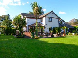 DOMECILIA, family friendly, with pool in Cosheston, Ref 2836, Pembroke Dock