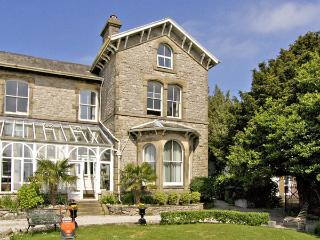 DUNLINS, pet friendly, with a garden in Grange-Over-Sands, Ref 3549