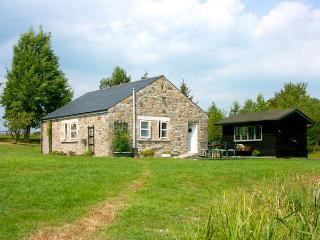DROVERS REST, pet friendly, country holiday cottage, with a garden in Otterburn,