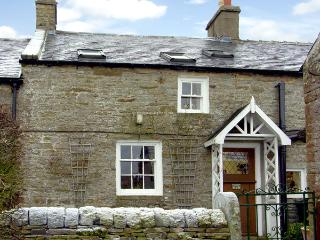 ENGLEWOOD COTTAGE, pet friendly, character holiday cottage, with a garden in, Allenheads