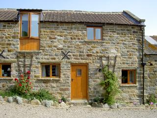 HAYLOFT COTTAGE, pet friendly, character holiday cottage, with a garden in Staintondale, Ref 1210, Ravenscar