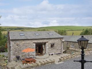 HILL SIDE BARN, family friendly, character holiday cottage, with hot tub in
