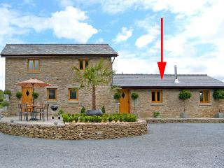 HOWLE HIDEAWAY, romantic, luxury holiday cottage, with open fire in Howle Hill
