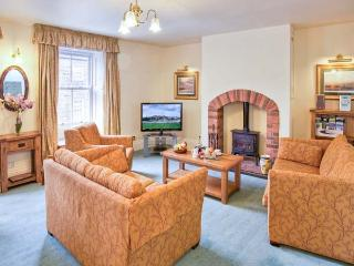 JACKSON COTTAGE, family friendly, character holiday cottage in Alnmouth, Ref 407