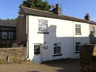KINGS COTTAGE, pet friendly, character holiday cottage in Alston, Ref 3604
