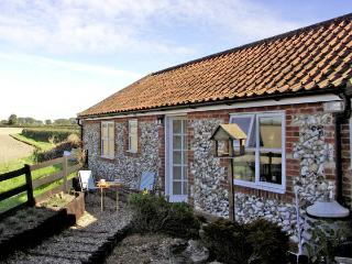 LA PETITE MAISON, pet friendly, country holiday cottage, with a garden in