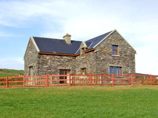LAUREL COTTAGE, pet friendly, with a garden in Goleen, County Cork, Ref 2398