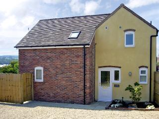 MANOR COTTAGE, pet friendly, country holiday cottage, with a garden in Ludlow, R