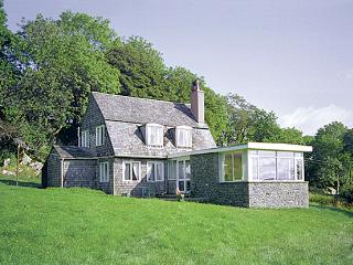 NETHERSCAR, pet friendly, country holiday cottage, with a garden in Ingleton, Ref 281