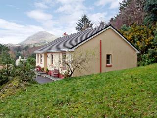 OAK VIEW, family friendly, country holiday cottage, with a garden in Lauragh, County Kerry, Ref 2945