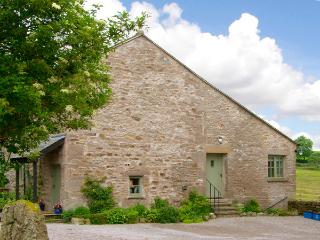 PICKLE COTTAGE, romantic, luxury holiday cottage, with a garden in Hutton Roof