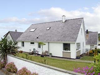 RHOS, pet friendly, with a garden in Mynytho, Ref 3617, Abersoch
