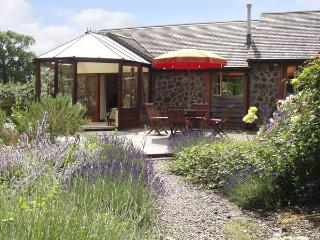 RICKYARD COTTAGE, country holiday cottage, with a garden in Castlemorton, Ref